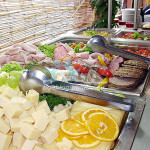 Hot and cold buffets and desserts - Self Service